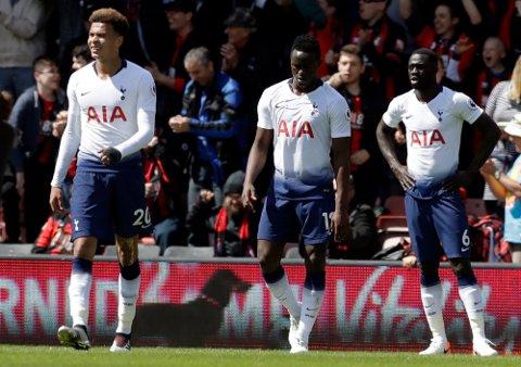 Dele Alli, Victor Wanyama og Davinson Sanchezfortviler etter 0-1-tapet mot Bournemouth i helgen. Spurs sliter på bortebane. (AP Photo/Matt Dunham)