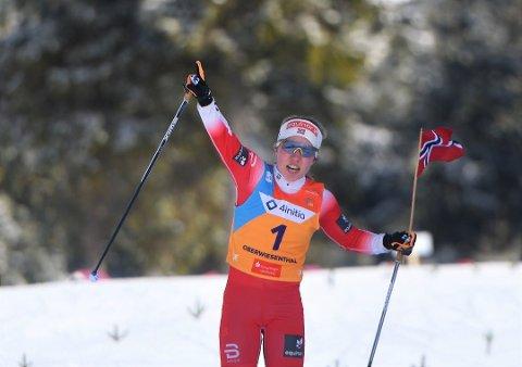Helene Marie Fossesholm jublet for VM-gull i Oberwiesenthal i vinter. Nå er hun klar for elitelandslaget i langrenn.