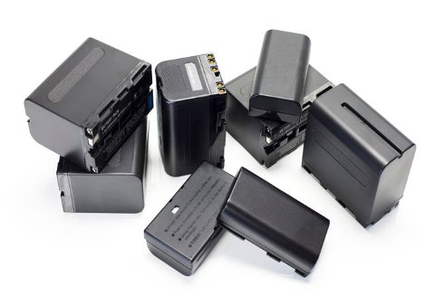 Litiumbatterier som ikke kildesorteres og havner i annet avfall, kan utgjøre en betydelig brannfare.