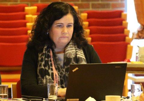 Stabsleiar for service og informasjon i Kinn kommune, Linda Myhre Larsen, får ansvaret for all den kommunale posten.