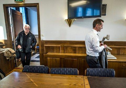 – Vanskelig: Tidligere kommunalsjef Roy H. Jakobsen arbeidsgiver Fredrikstad kommune. – Dette er svært belastende for ham, sa advokat Dag Olav Riise til retten.