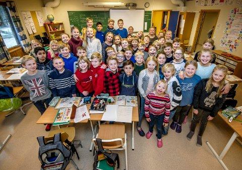 Flinke: 5.klasse på Rødsmyra skole gjør det bra på nasjonale prøver i lesing og regning.