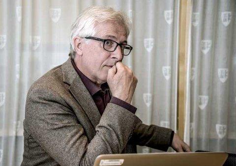MÅ ENDRE REGLEMENT: Rådmann Ole Petter Finess må legge frem en sak for politikerne, hvor regelen om deres taushetsplikt endres.