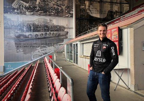 FFK-leder Joacim Heier gjør stort sett ikke annet enn å smile for tiden. Det gjorde han også da FB Stadion denne uken.
