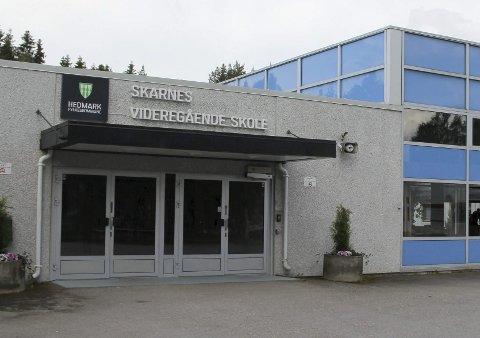 SPØRSMÅL: SV er bekymret for om lokale bedrifter kan få rekrutteringsproblemer om Skarnes videregående legges ned.