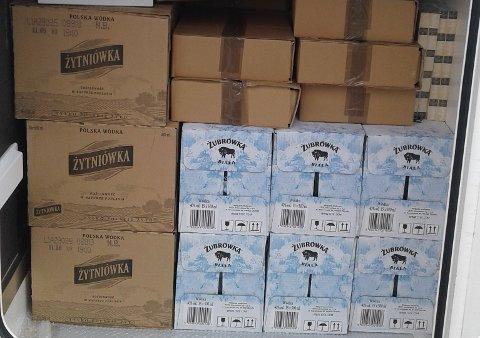 VODKA: Tollerne fant 464 liter vodka i campingbilen.