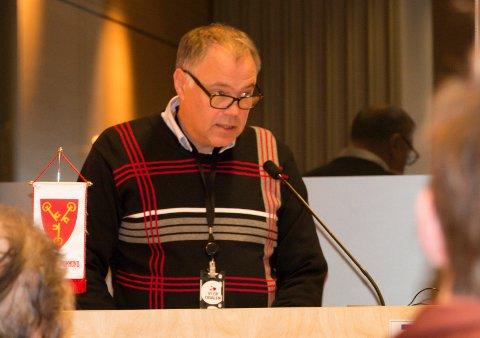 UTSETTER: Sør-Odal-ordførere Knut Hvithammer leder det interkommunale plansamarbeidet om E16-byggingen. Nå varsler gruppa at neste møte blir utsatt en uke.