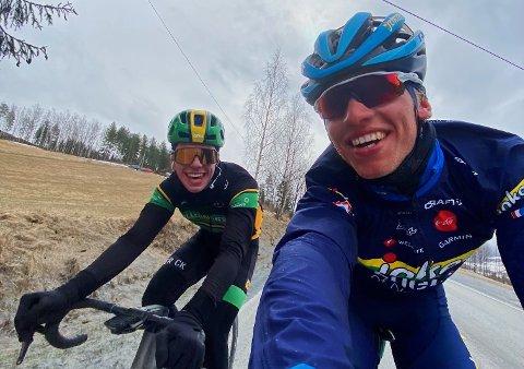 Brødrene Johannes (t.v.) og Andreas Staune-Mittet har fått sykkelkontrakt i henholdsvis Nederland og Italia. Eldstemann Andreas vil bosette seg i Toscana, mens lillebror får base på Lillehammer.