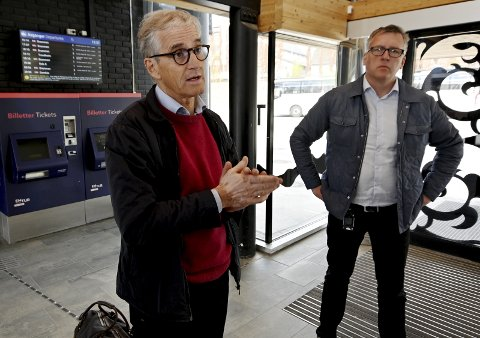 DOBBELTSPOR: Ap-leder Jonas G. Støre og nestleder i Innlandet Ap, Rune Støstad, beklager Regjeringens stopp i framdrift av dobbeltspor mot Lillehammer.