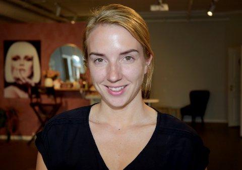 Isabell Ødegården er redd hun må stenge salongen på ubestemt tid dersom det dukker opp smittetilfeller blant noen av hennes kunder.
