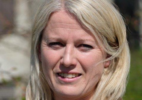 Ingrid Jacobsen arbeider med ny læreplan i norsk.