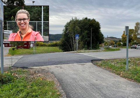 GLAD: Christine Smedsrud er glad for at fartshumpene endelig er på plass ved Trinom skole.