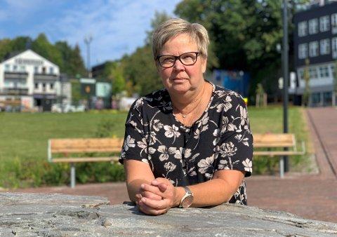 FORTVILER: Hilde Lund Svendsen er en av døtrene som fortviler over kommunens behandling av deres mor.