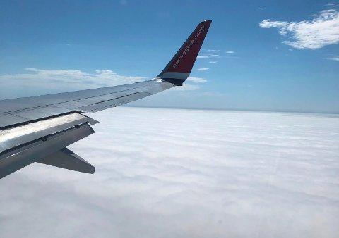 TYKK TÅKE: Slik så det ut over Haugalandet da Norwegians rute DY190 skulle lande på Helganes ved 15.40-tiden. Flyet landet etter hvert på Sola.