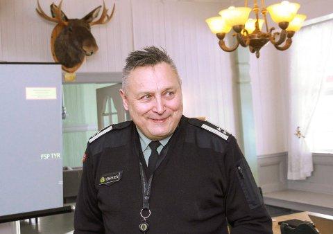 Bengt Henriksen, sjef v HV 14
