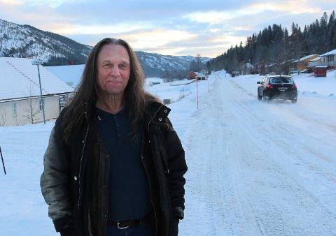 Konrad Kummernes ber folk på Vestersida om å kjenne sin besøkelsestid når det gjelder fiber.