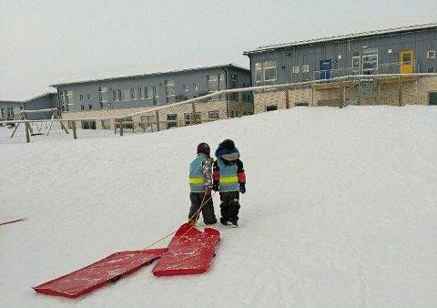 BILLIGST: Nesseby kommune tilbyr de biligste barnehageplassene i fylket.