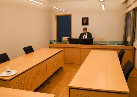 I RETTEN: Dommer Jon Mjellekås i retten fredag under konkursbehandlingen av Aurora eiendom AS.