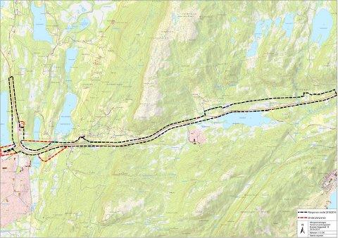 PÅ VENT: Byggingen av Hålogalandsveien har fortsatt ikke startet. Nå ønsker Siv Mossleth svar fra Knut Arild Hareide. Her fra en parsell i Evenes.