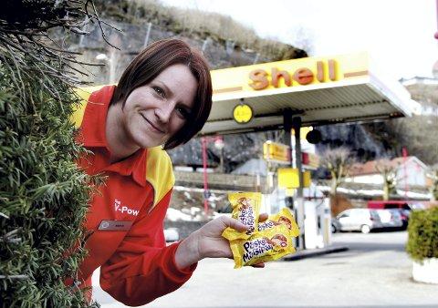 Mer enn bare bensin: Shellstasjonen har vært et samlingspunkt i sentrum. Foto: Pål Nordby