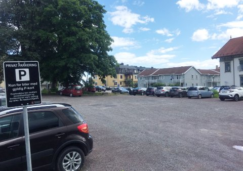 TRANBERGHAUGEN: Det var på denne parkeringsplassen at den kommuneansatte nylig fikk en bot han så seg nødt til å klage på.