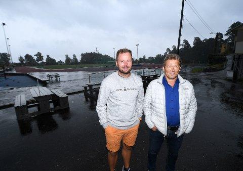 SAMARBEID: For å få løftet Kragerø-fotballen må det mer samarbeid til. Det er både Håvard Kleven og Per Berg Apelseth enige om. Kleven vil imidlertid              ta det enda et steg videre.FOTO: Ole Martin Møllerstad