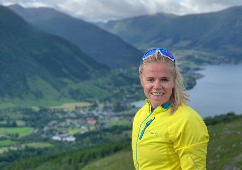 Carine Klemmetsen (36) flytta til Kvinnherad for to år sidan, og stortrivst både i Rosendal og jobben i Energi Teknikk. (Foto: Privat).