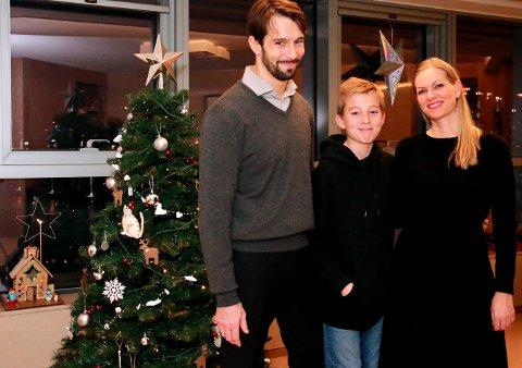 I KOREA: Familien Kvist Melilla. Per Kristian, Daniel (13) og Hege. Pernille (18) kom fra universitetsstudier i Oslo lille julaften.