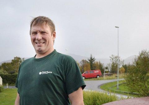 GRENDELAGET FIKK NASJONAL PRIS: Formann og styreleder i Uttakleiv grendelag, Ståle Olsen.
