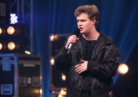 Markus Grønstad fra Moss har kommet seg til første livesending i Idol, og nå er han helt avhengig av seernes stemmer for å gå videre i konkurransen.