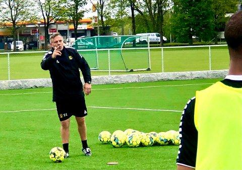 KLAR: MFK-trener Shaun Constable er klar for å komme i gang med kampene. Lørdag venter Kjelsås borte i årets første treningskamp.