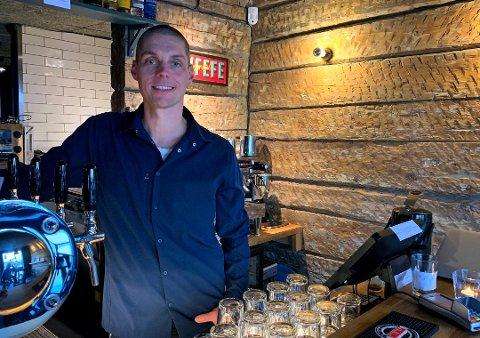 KJØRER PÅ: Bryggeri 13s klage på Arbeidstilsynets avslag ble tatt til følge. Nå gleder anders Elde (bildet) og Christian Riksheim Sæther seg til åpning en gang over påske.