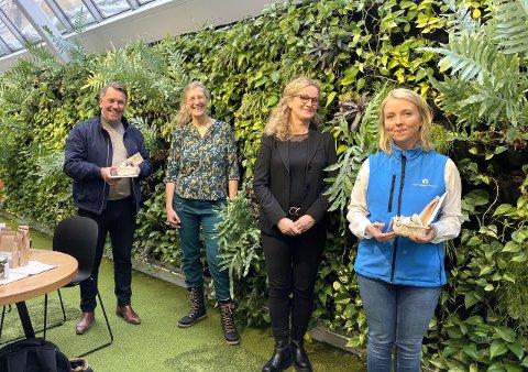 Fra venstre: Ordfører Gunnar Wilhelmsen, daglig leder Ute Vogel, Styreleder Ann-Kjersti Johnsen, Hanne-Therese Ridderset fra Gjensidigestiftelsen.