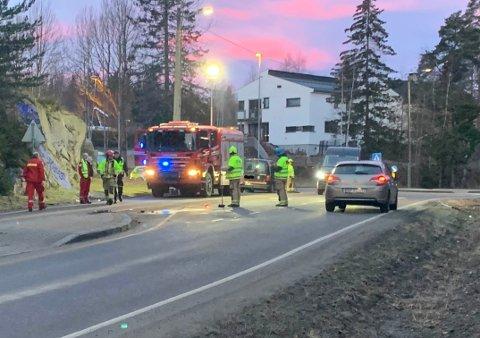 Nødetatene har rykket ut til en trafikkulykke i Kapellveien i 07-tiden på Nesodden.