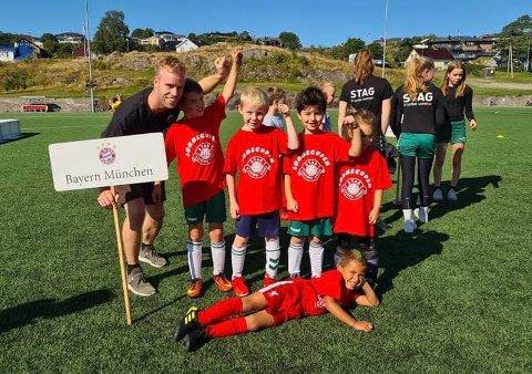 FIKK VÆRE STJERNESPILLERE: Lørdagens cup ga de unge spillerne anledning til å være elitespillere for en dag.