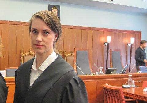 Politiadvokat Julie Marie Sandvik la ned påstand om at 46-åringen skulle dømmes til samfunnsstraff i 90 timer, samt bot og tap av førerretten.