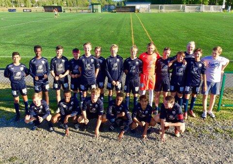 Rana FK sitt guttelag åpnet bra i Umeå Fotbollsfestival.