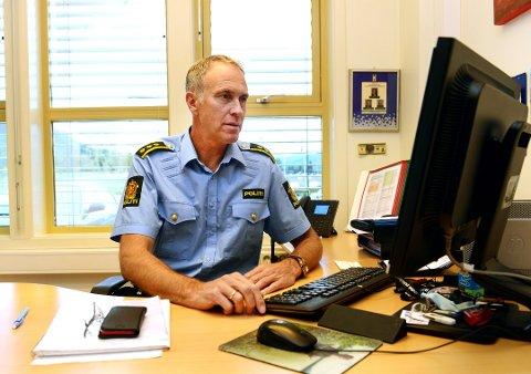 Lensmann Jon Gaarden er overveldet over det høye antallet søkere på en vikarstilling som politibetjent på Vinstra.