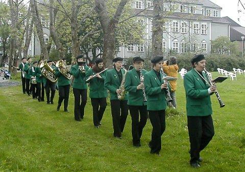 I hele 100 år har Nesna hornmusikk sørget for musikalsk glede. Nå inviterer de til gratis jubileumskonsert.