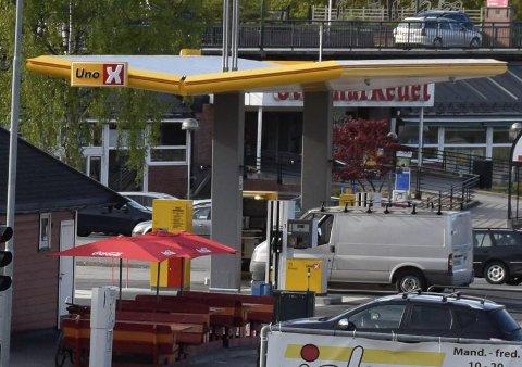 Den omstridte Uno X-stasjonen på Tippen ved Ringerike stormarked. Foto: Pål Tr. Mannsverk