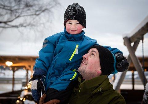 VINNER: Pappa Kjetil Hansen (36) tok bilde av sønnen Noa Bjarttun Hansen (4) og bildet ble kåret til årets leserfoto.