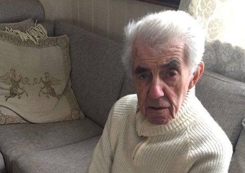 UTÅLMODIG: – Nå håper jeg virkelig at jeg snart blir innkalt til vaksine, sier 90 år gamle Ove Dolles.