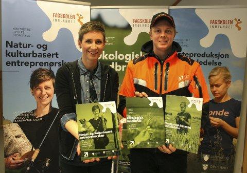 ANBEFALER: – Vi anbefaler flere å ta fagskoleutdanning, sier Ingrid Melby Buraas og Ola Hytjan.Foto: Per Stokkebryn