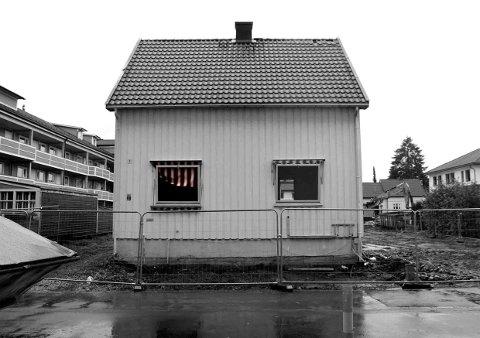 Slik så huset til Jarle Solberg i Nannestadgata i Lillestrøm ut før det ble revet. Foto: Jad El Khoury