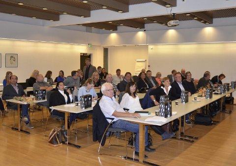 SNART: Kommunestyret i Røyken, Hurum og Asker skal se på organisering av kommunale tjenester.