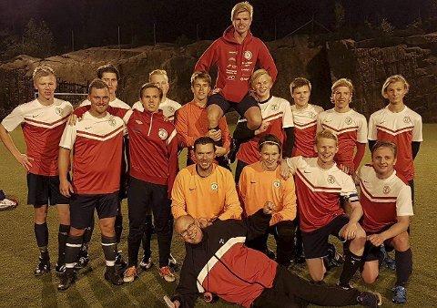 HØYERE NIVÅ: Sande SK ble i høst forhindret opprykk fra 6.divisjon på grunn av serieomleggingen. Men møter tøffere motstandere i årets sesong. FOTO: PRIVAT