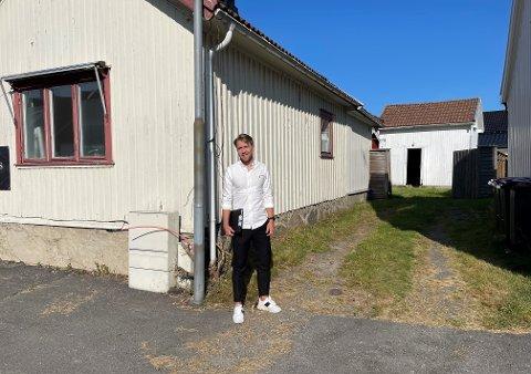SJARMERENDE: Strøket er blitt veldig populært, men huset trenger litt pleie. Tomas Vedvik i Eie eiendomsmegling sier hus i Nybyen selges etter første visning.