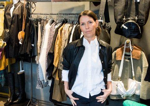 Sari Larsson gjør det godt i Langgata, men det kommer ikke uten hard jobbing.
