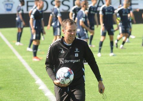 GLEDELIG: Kjetil Berge er fornøyd med at nesten alle spillerne er klarert for spill i den viktige kampen mot Mjøndalen på Stadion onsdag kveld.