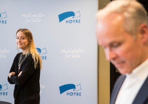 Nestleder Jan Tore Sanner i Høyre tilhører flertallet i partiets prinsipprogramkomité som sier nei til eggdonasjon. Sandra Bruflot sier ja.